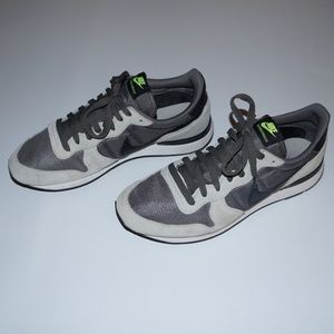 e2c11e62218 nike internationalist low id men s Nike Shoes